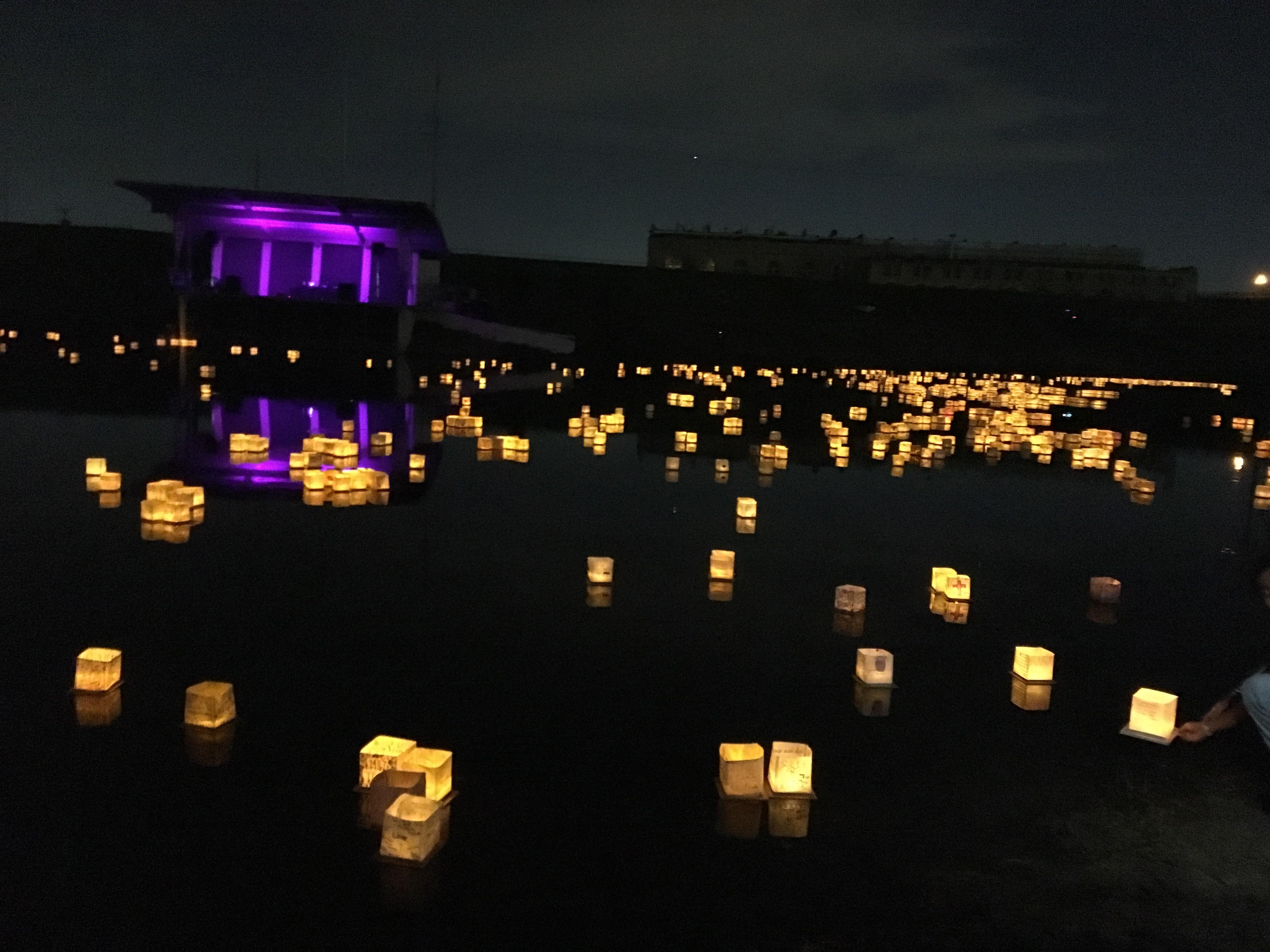【アメリカTOP10イベント】Fort WorthのWater Lantern Festivalに行ってきた