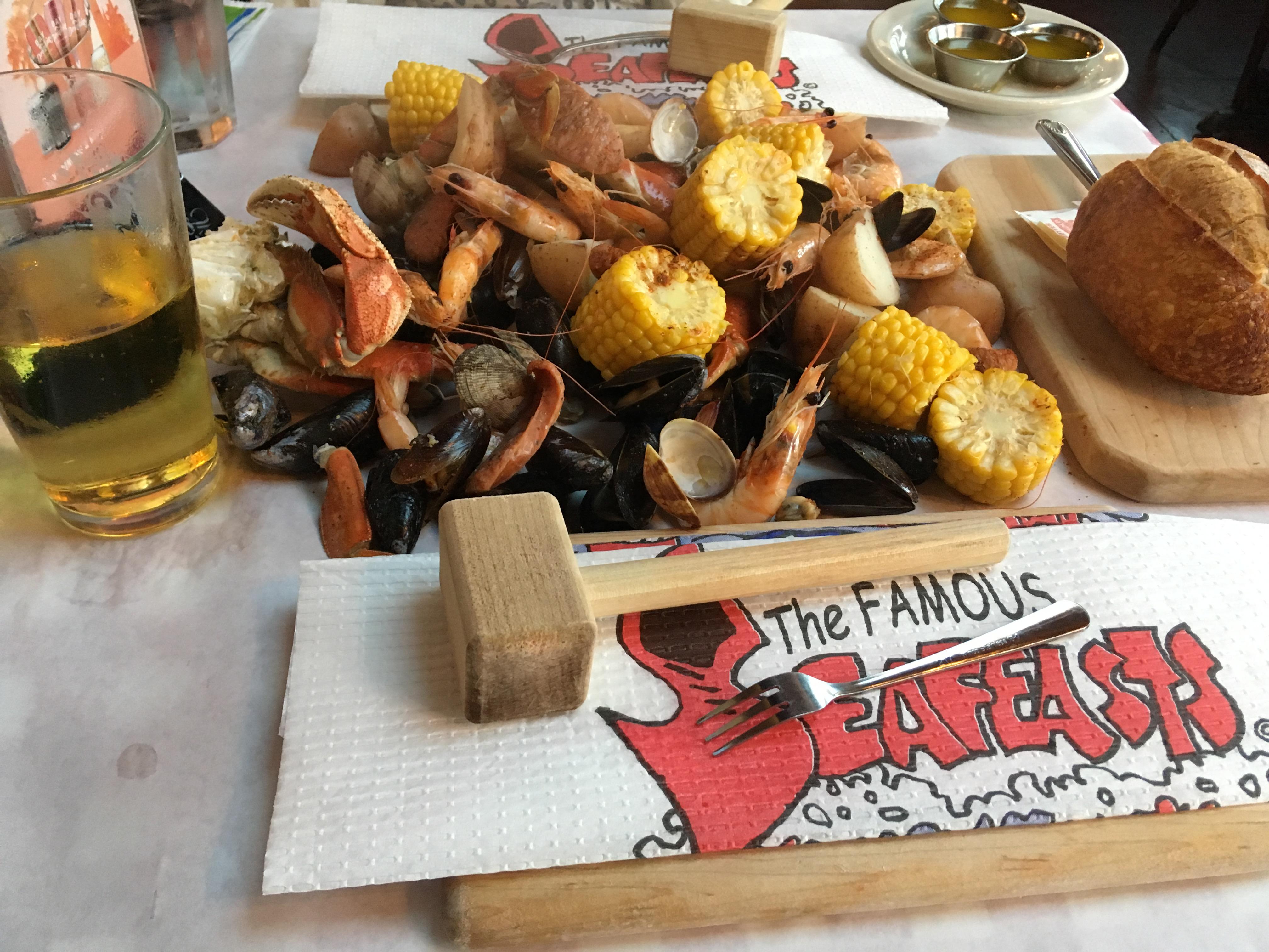 シアトルでカニやシーフードを食べるならThe Crab Pot【シアトル】