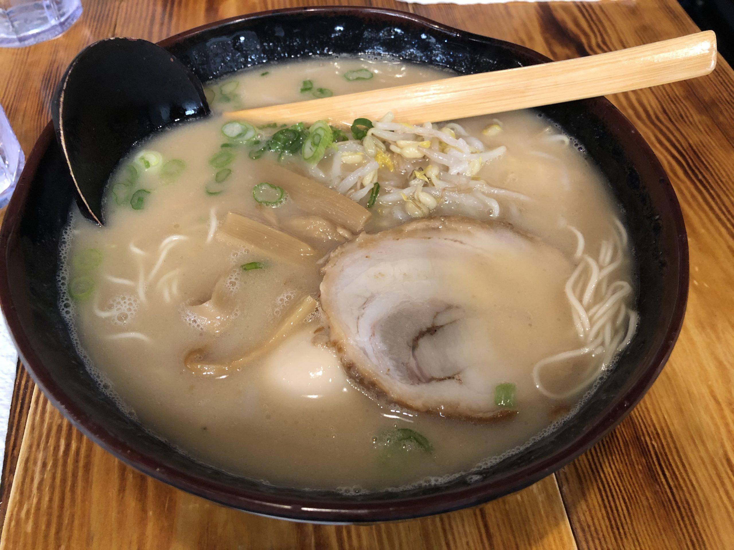 海鮮丼も美味しい!ラーメン居酒屋あきら【ホタテは北海道産】