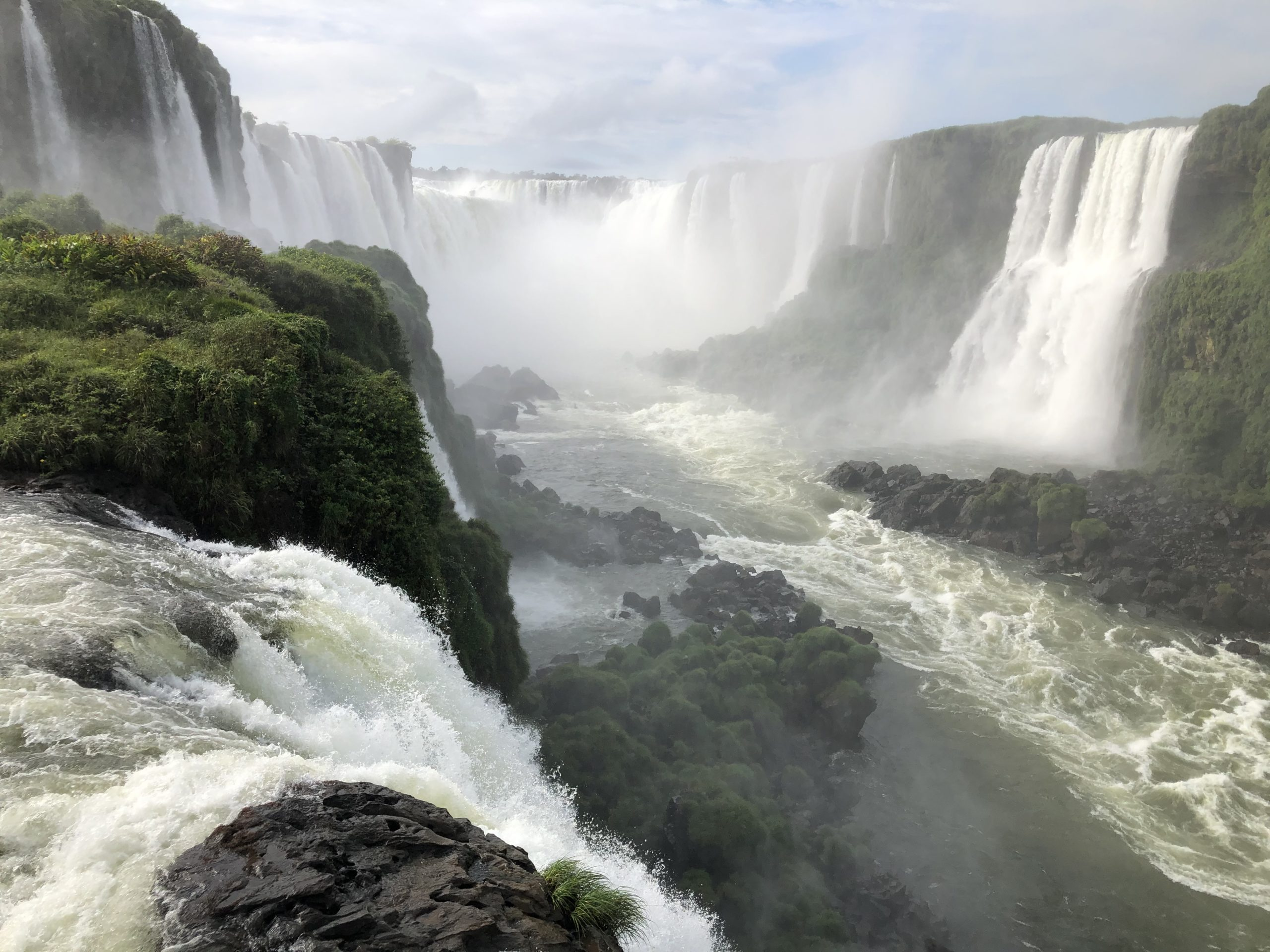 世界三大瀑布イグアスの滝でボートツアー(ブラジル側)【水着は必須】