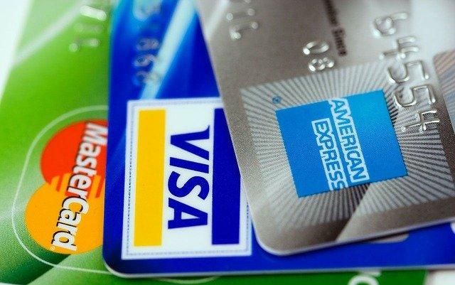 Twitterで聞いてみました!アメリカで使っているメインクレジットカード【アメックスゴールド最強説】